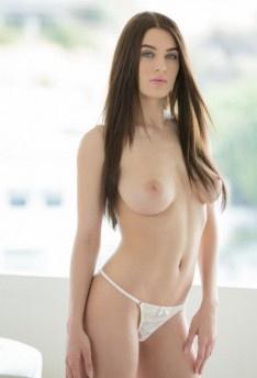 Lana Rhodes